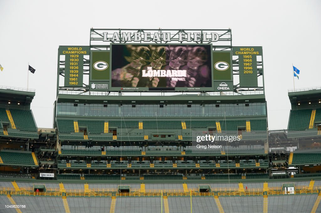 View Of Lambeau Field Scoreboard With Image Of Lombardi Trophies News Photo Getty Images