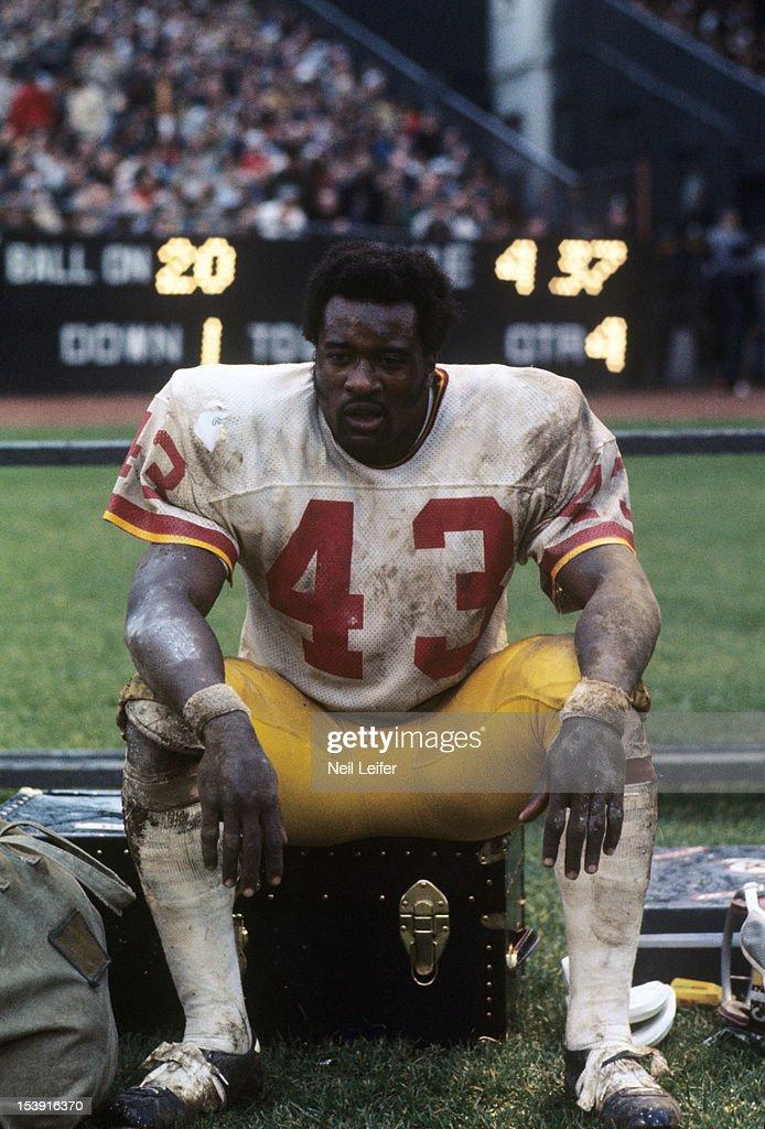 2c17706d Washington Redskins Larry Brown on sidelines during game vs New York ...