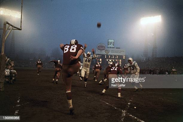 Football Washington Redskins Pat Richter in action punt vs Baltimore Colts at Memorial Stadium Baltimore MD CREDIT Neil Leifer