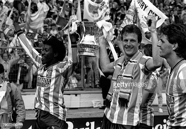 Football Wembley Stadium England FA Cup Final 16th May 1987 Coventry City 3 v Tottenham Hotspur 2 Coventry's Dave Bennett and Keith Houchen hold the...