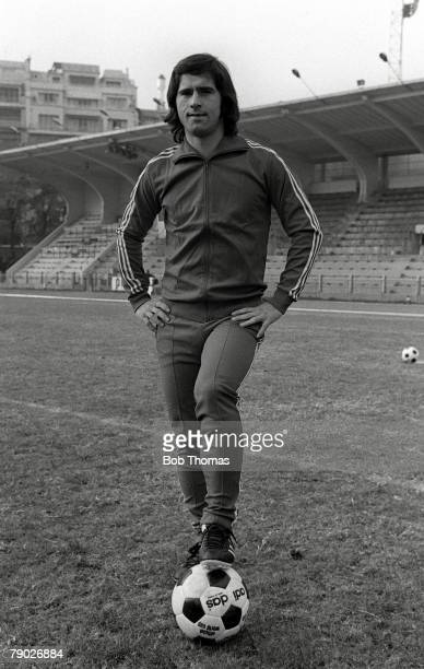 Football West Germanys Gerd Muller