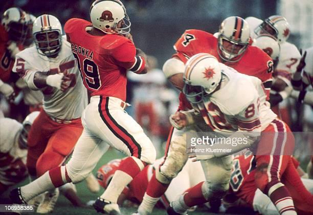 WFL Memphis Southmen Larry Csonka in action vs Southern California Sun Anaheim CA 7/28/1975 CREDIT Heinz Kluetmeier