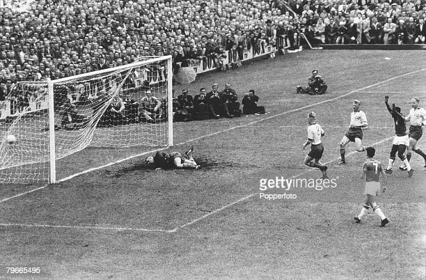 Football World Cup Final Solna Stadium Stockholm Sweden 29th June 1958 Brazil 5 v Sweden 2 Brazil's Pele waves triumphantly after scoring his...