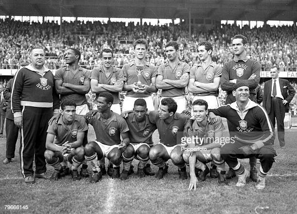 Football World Cup Final Stockholm Sweden 1st July 1958 Brazil 5 v Sweden 2 The victorious Brazilian team pose together with the trophy after their...