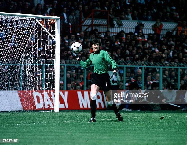 Football World Cup Qualifier Group 3 30th May 1981 Wales 0 v USSR 0 Rinat Dasaev the Russian goalkeeper