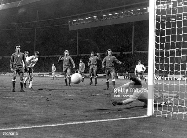 Football, World Cup Qualifier, Wembley Stadium, London, 17th October England 1 v Poland 1, Polish goalkeeper Jan Tomaszewski dives as England's Allan...