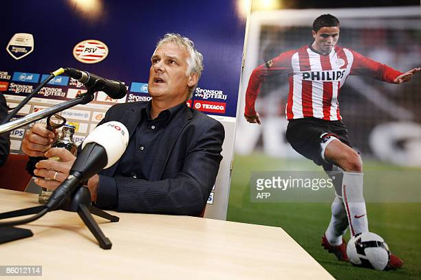 Footballcoach Fred Rutten attends a press conference at the PSV Stadium in Eindhoven The Netherlands on April 17 2009 Fred Rutten is the new coach of...