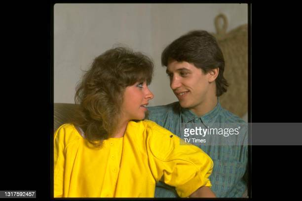 Footballer Gary Lineker photographed at home with his fiancé Michelle Cockayne, circa 1986.