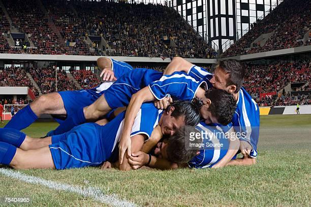 footballers お祝い - サッカーチーム ストックフォトと画像
