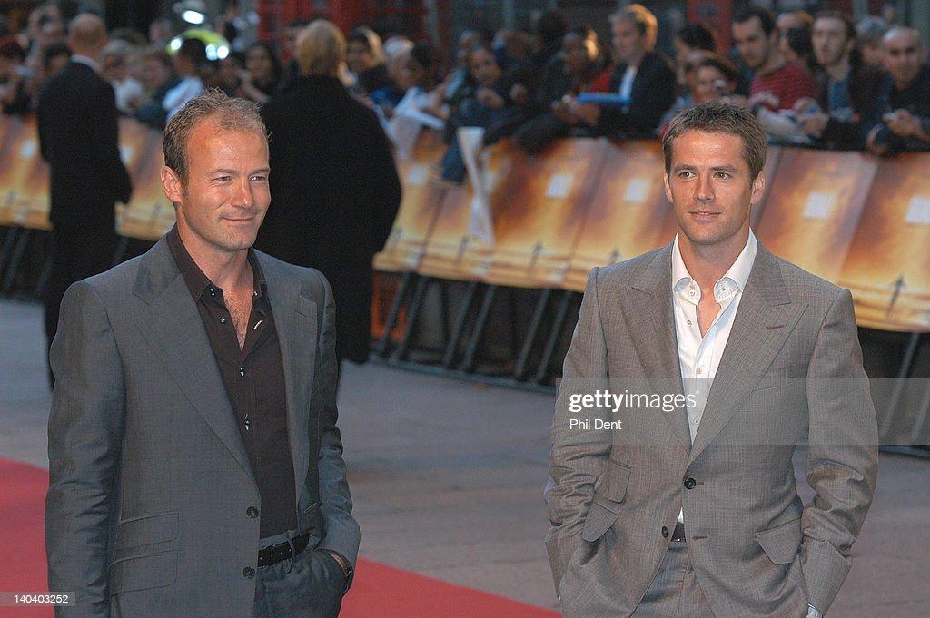 Michael Owen And Alan Shearer : News Photo