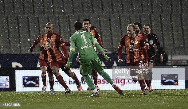 Footballers of Galatasaray celebrate after Felipe Melo scores the first goal of Galatasaray during the Turkish Spor Toto Super League soccer match...