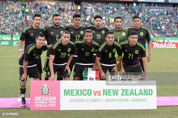 Footballers of Mexico pose for the fotographers before starts the match against New Zeland during the friendly match between the Mexican national...