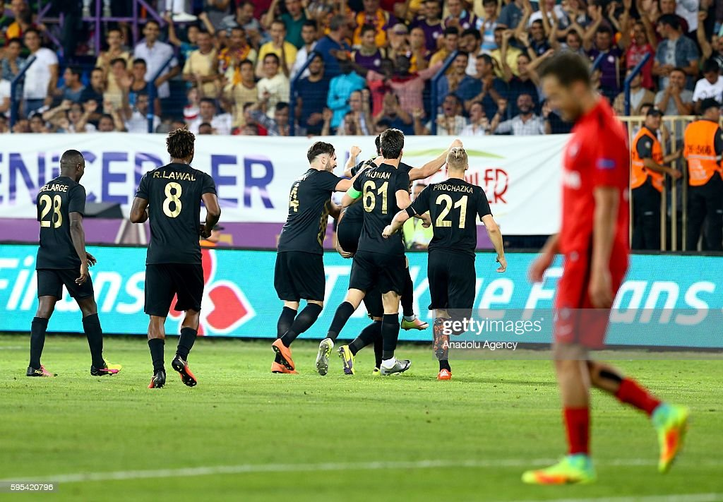 Osmanlispor v Midtjylland - UEFA Europa League : News Photo