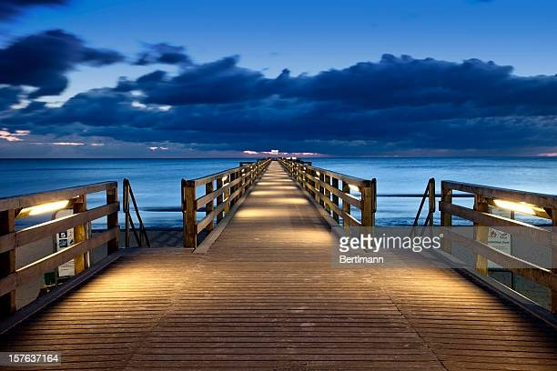 footbridge - jetty stock pictures, royalty-free photos & images