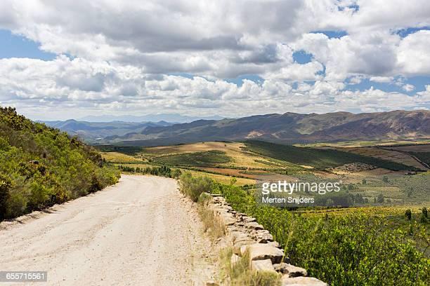 foothills of swartberg mountain range - província do cabo ocidental imagens e fotografias de stock