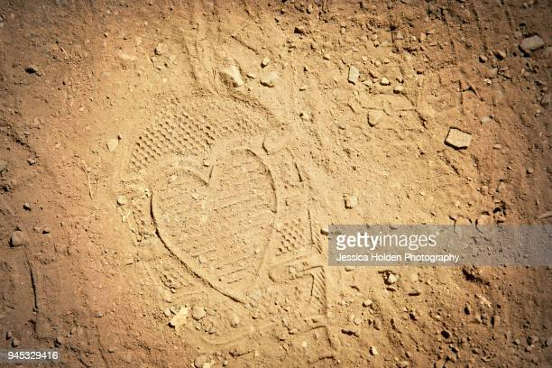 Footprint in dirt