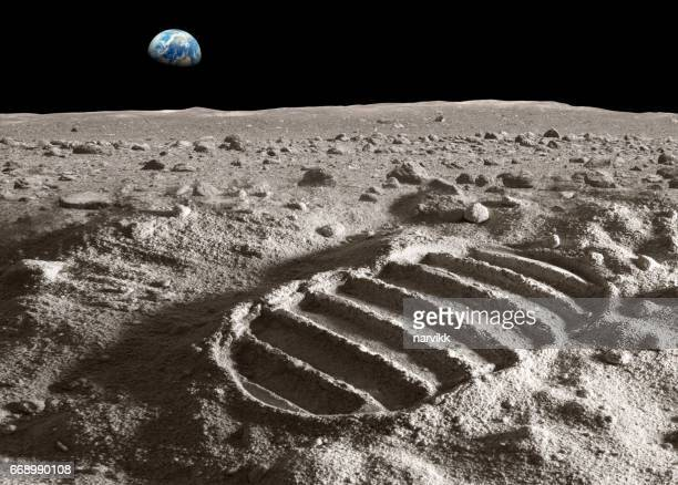 footprint of astronaut on the moon - space exploration stock pictures, royalty-free photos & images