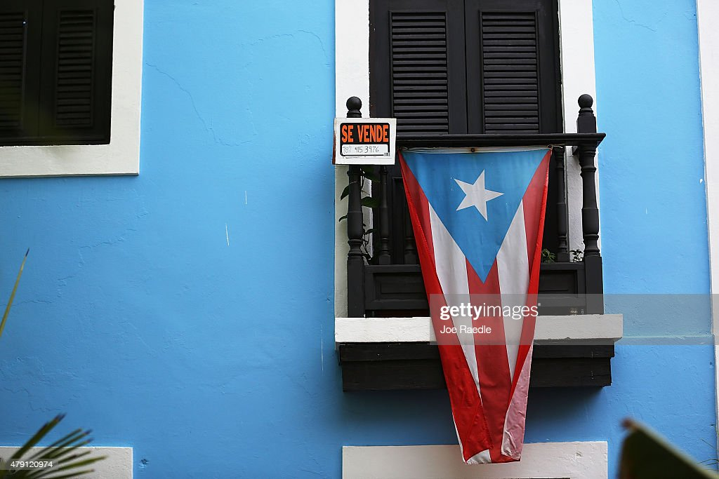 Puerto Rico Teeters On Edge Of Massive Default : Fotografía de noticias