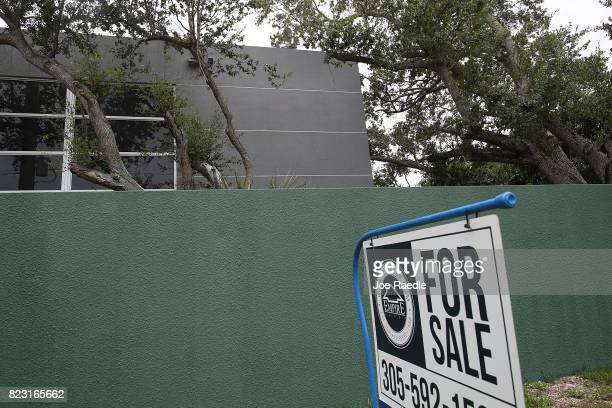 sales of new homes rises for second month in row ストックフォトと