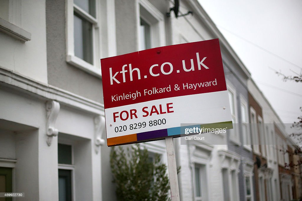 A 'for sale' sign is seen outside a property on December 4, 2014 in in East Dulwich, London, England. In his autumn statement, Chancellor of the Exchequer, George Osborne, cut the rate of stamp duty for lower-value house sales and raised it on those worth more than £1.5m in a move that would cut the rate of tax for 98% of house purchases.