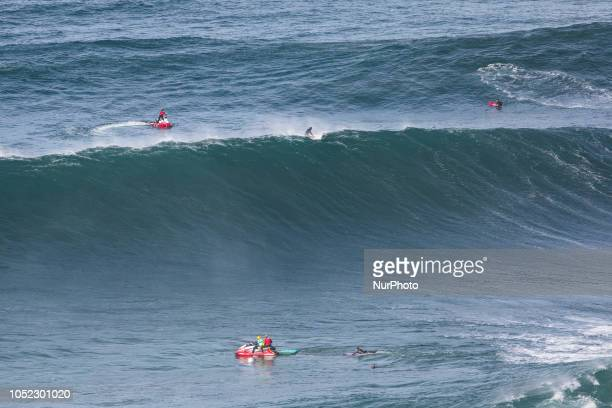 For surfers the support of jet skis is critical to ensuring safety On October 13 the first big swell of the 2018/2019 season took place at Praia do...