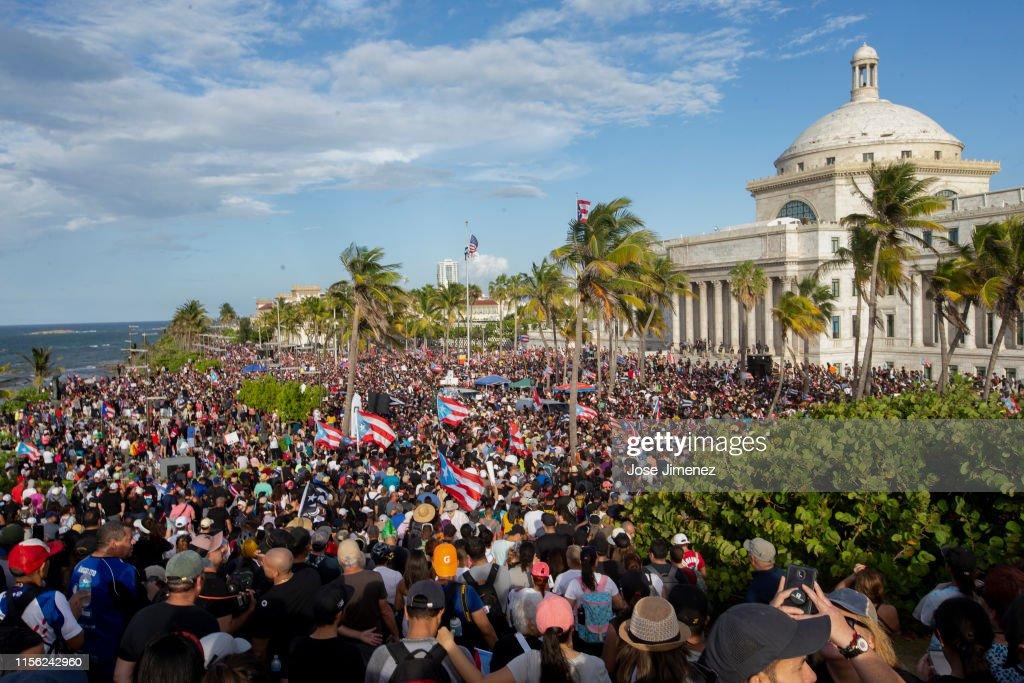 Protesters Demand The Resignation Of Puerto Rico's Governor Ricardo Rossello : News Photo