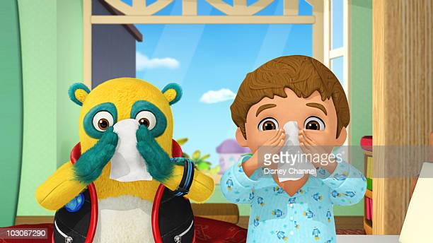 OSO 'For Your Nose Only' Special Agent Oso teaches Thomas how to blow his nose all by himself and about the importance of washing his hands...