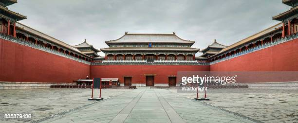 forbidden city after snow,beijing,china. - tempel stock-fotos und bilder