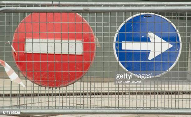 Forbidden sign and Arrow signal