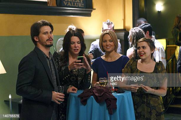PARENTHOOD Forced Family Fun Episode 307 Pictured Jason Ritter as Mark Cyr Lauren Graham as Sarah Braverman Erika Christensen as Julia...