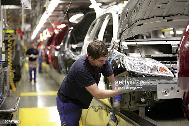 GERMANY SAARLOUIS Ford car production at the production location in Saarlouis Germany Our picture shows the final assembly of Ford Focus Kombi and...