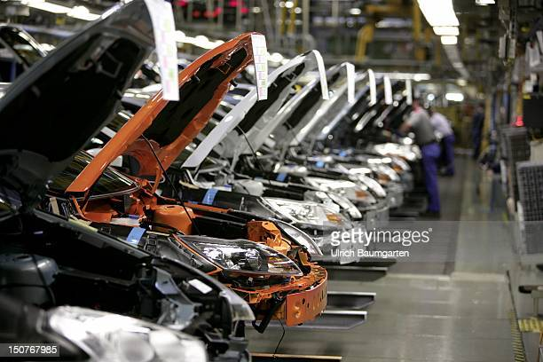 GERMANY SAARLOUIS Ford car production at the production location in Saarlouis Germany Our picture shows the final assembly of Ford Focus