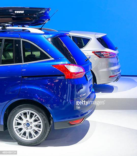 フォード C-max と S-max MPV 車