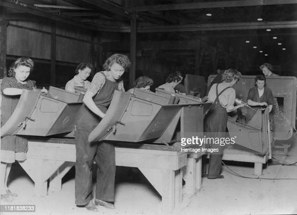 Ford factory women workers during 2nd World War Creator Unknown