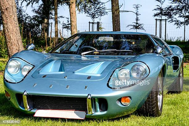 ford gt40 classic race car front view - ford gt40 stock photos and pictures