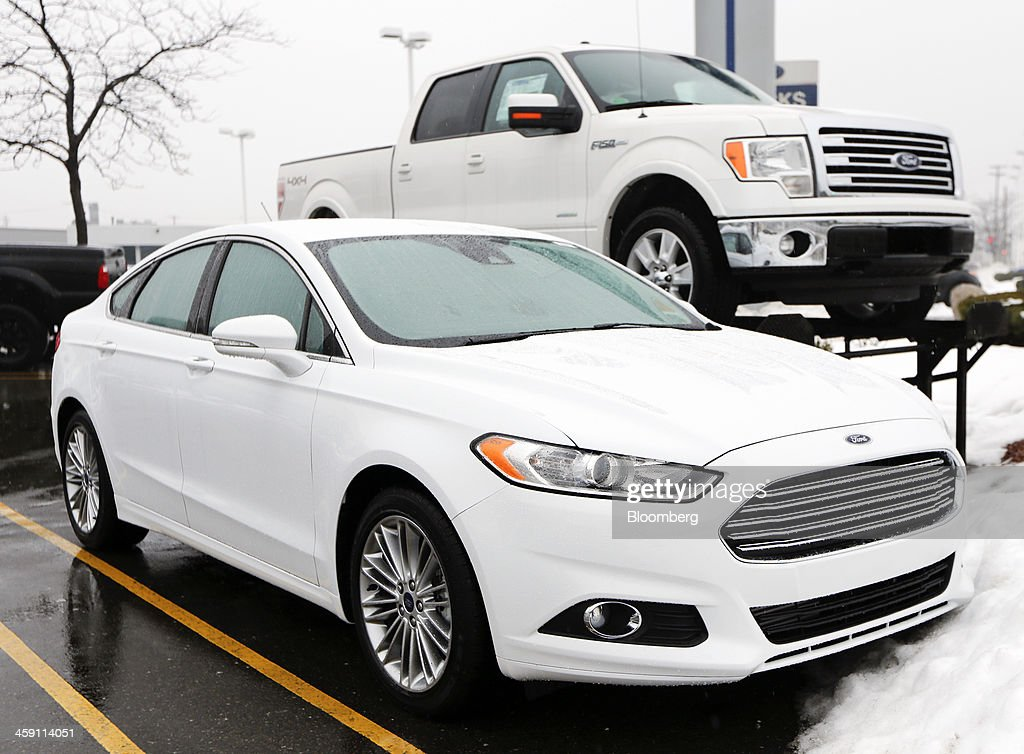 auto dealerships ahead of december u s vehicle sales dataの写真