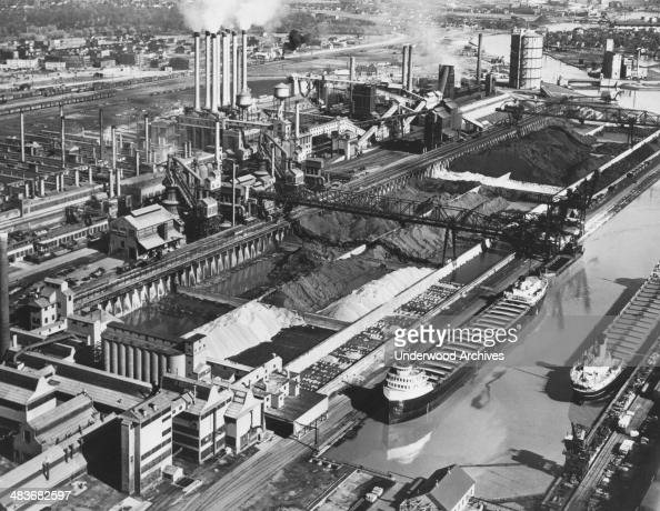 Ford 39 s river rouge plant pictures getty images for Ford motor company dearborn