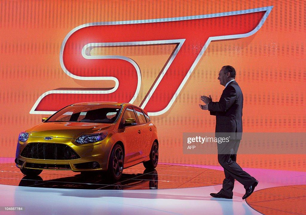 Ford Motor Europe Chief Executive Stephe : Fotografía de noticias