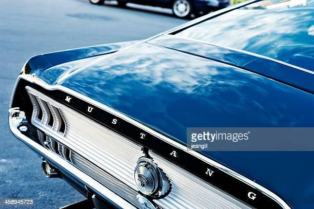 ford mustang automóvil - ford mustang fotografías e imágenes de stock