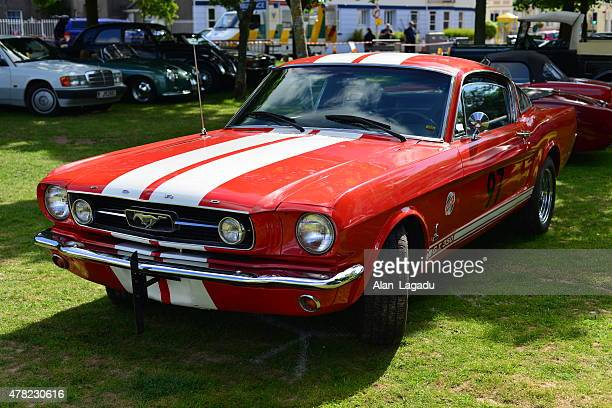 ford mustang gt500 cobra shelby. - ford mustang stock photos and pictures