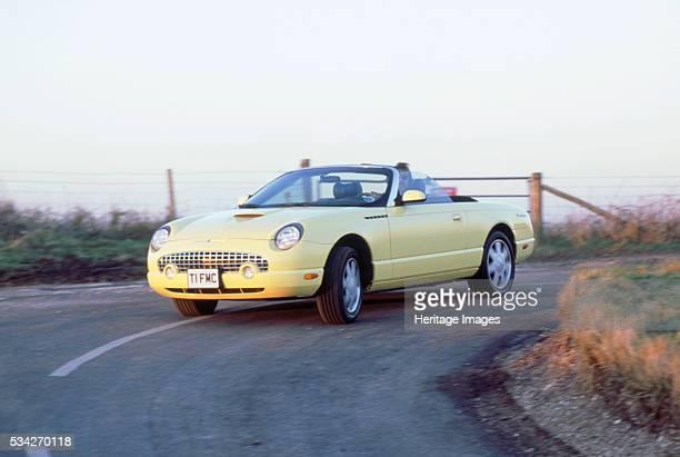 Ford Thunderbird cornering hard 2000