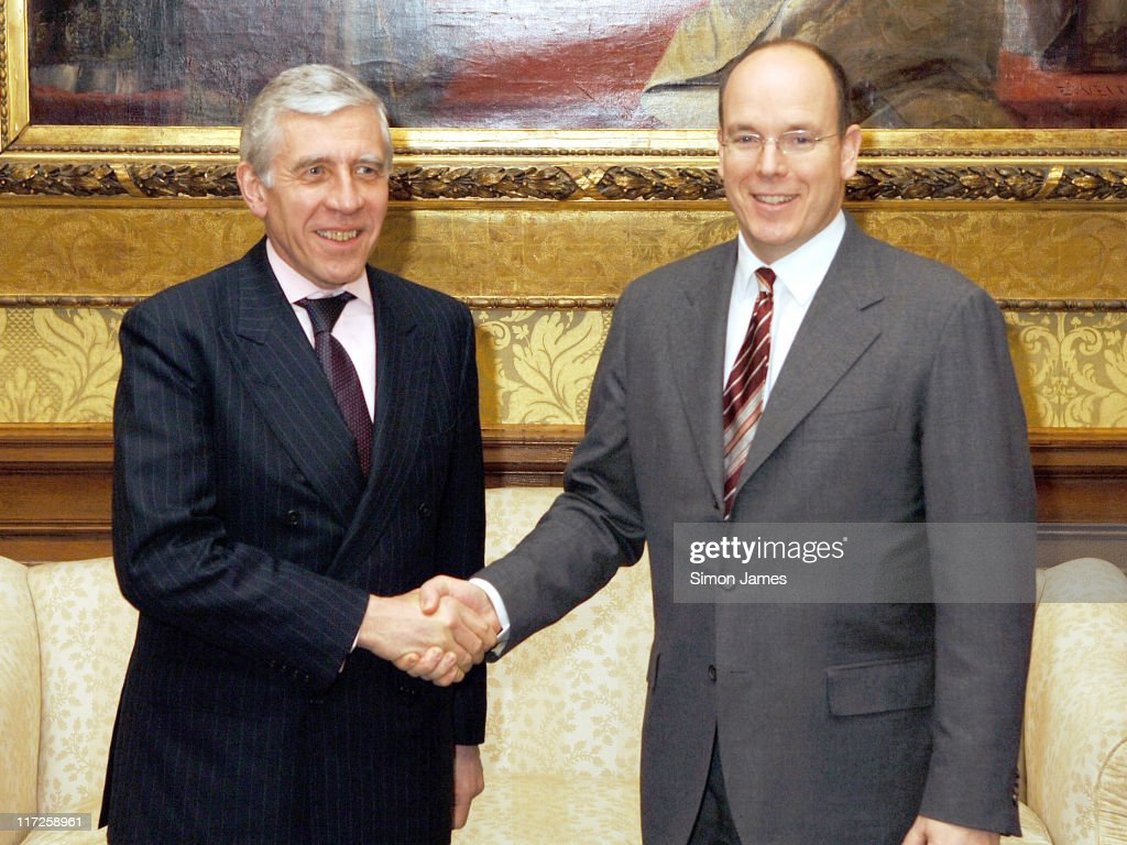 Foreign Minister Jack Straw meets Prince Albert of Monaco û Photocall