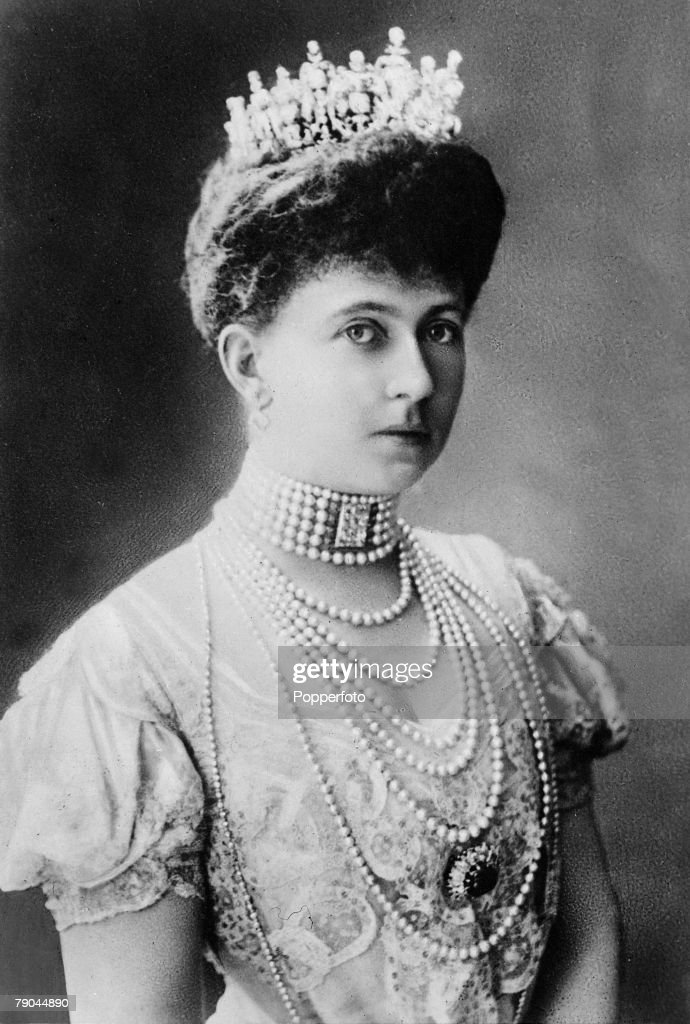 Foreign Royalty. pic: circa 1900's. Queen Sophie of Greece, (1870-1932) the wife of King Constantine I of Greece. : News Photo