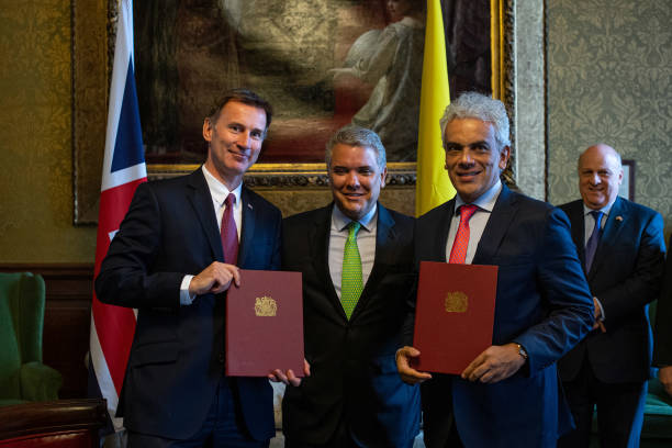 GBR: Jeremy Hunt Meets The President Of Colombia