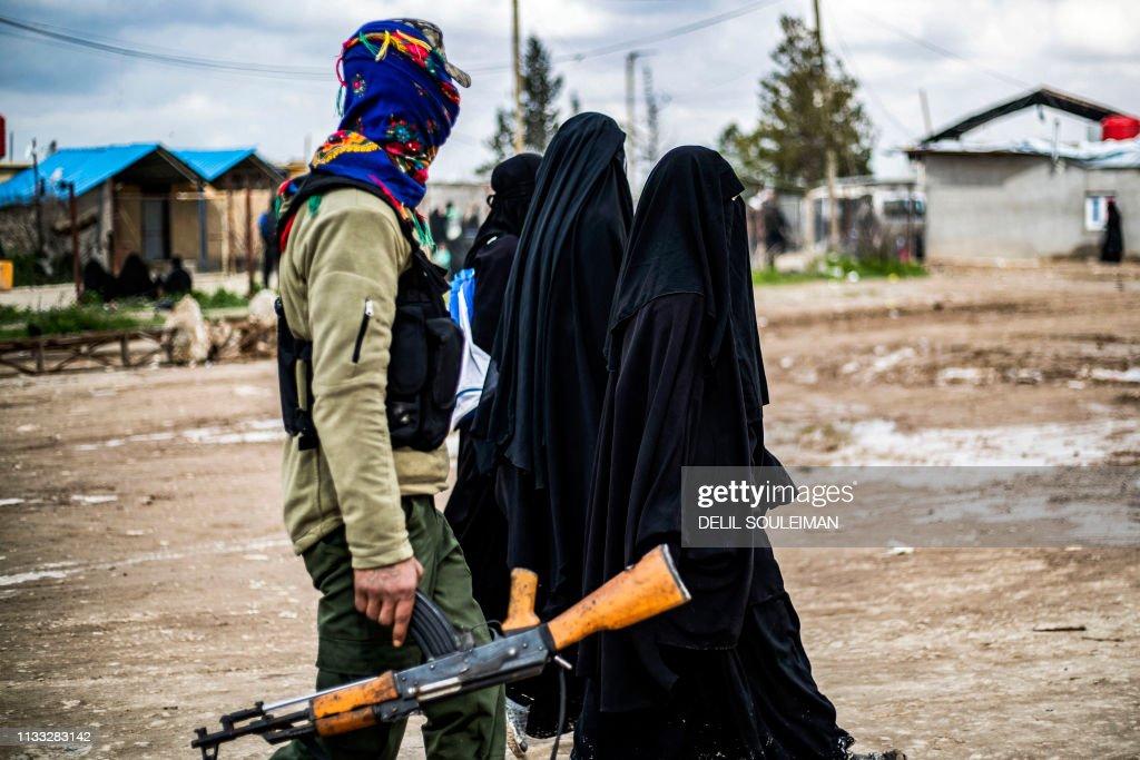 TOPSHOT-SYRIA-CONFLICT-IS : Nachrichtenfoto