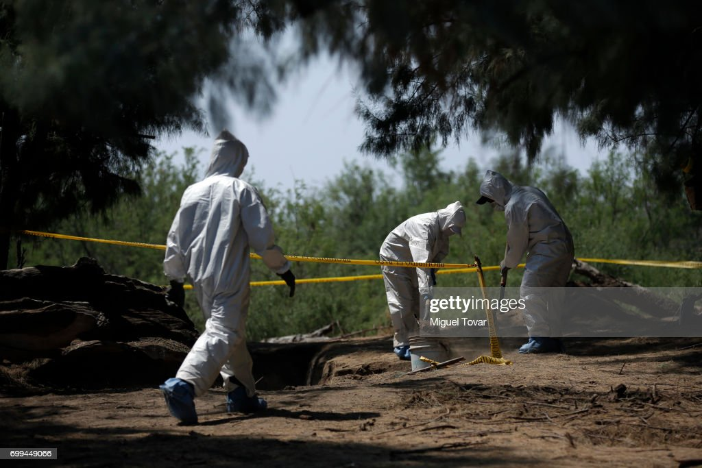 Mexico Clandestine Graves : Fotografía de noticias