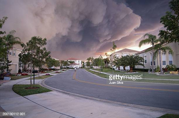 forest fire burning behind community - cul de sac stock pictures, royalty-free photos & images