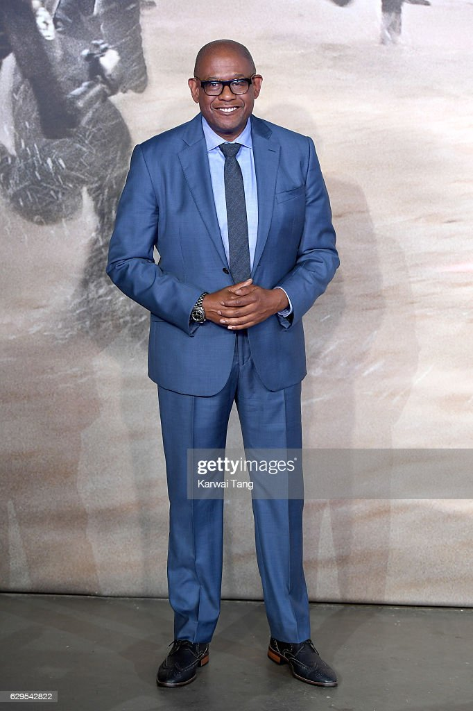 """""""Rogue One: A Star Wars Story"""" - Launch Event - Red Carpet Arrivals : News Photo"""