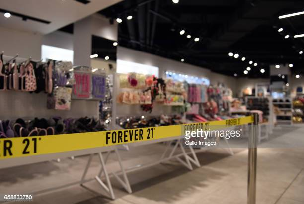 Forever 21 Stock Photos And Pictures