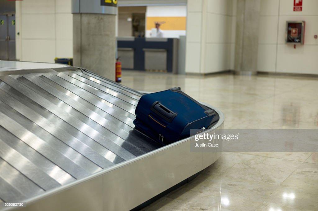 luggae band on airport ile ilgili görsel sonucu